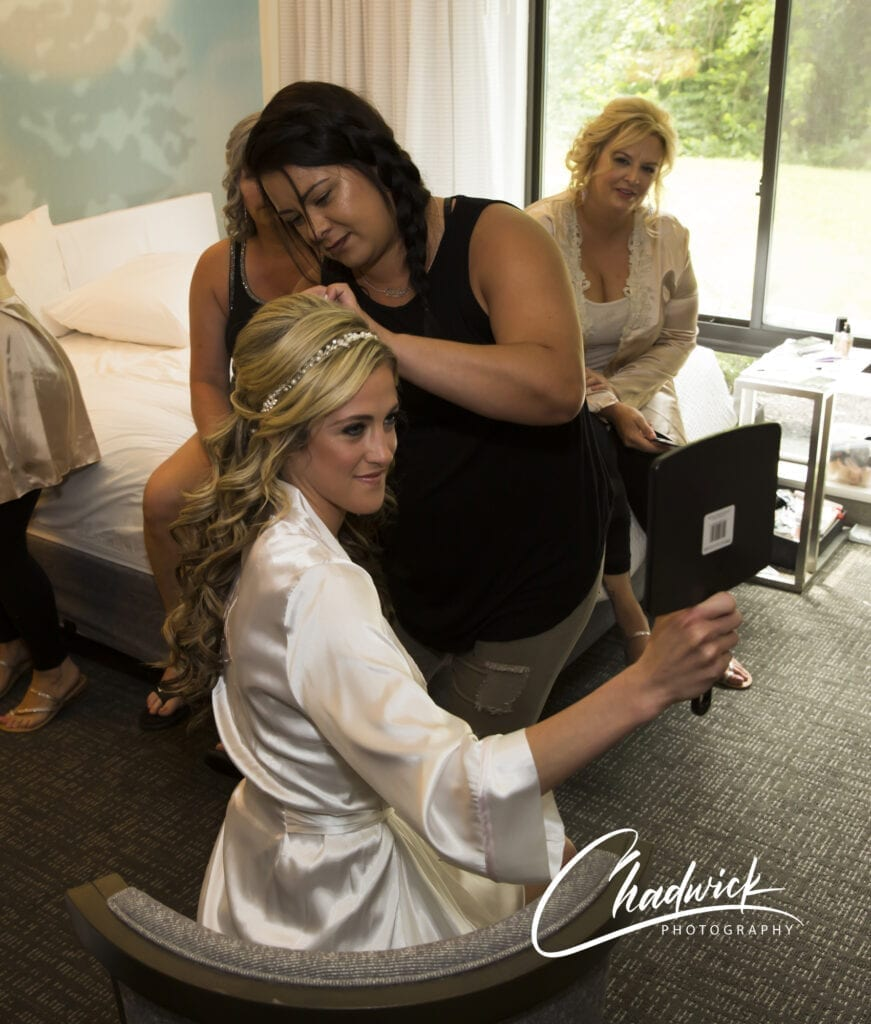 Finishing touches to the brides hair