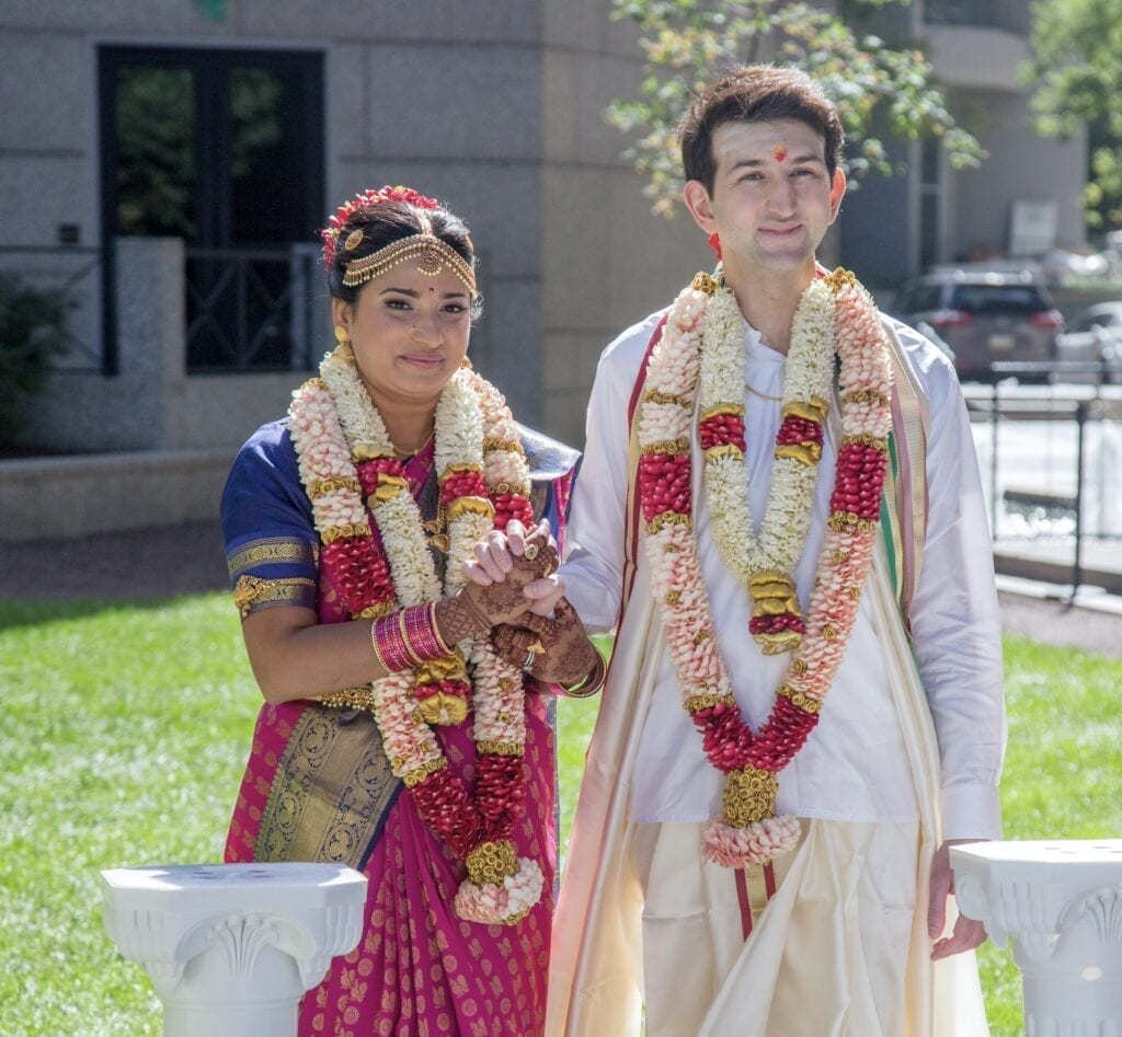 Beautiful Philadelphia Hindu wedding outside of the Logan Hotel